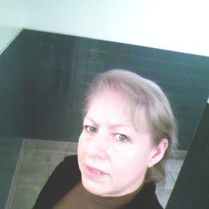 Maria R