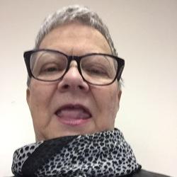 Linda R
